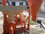 Traktörlü tip yem kırma makinesi